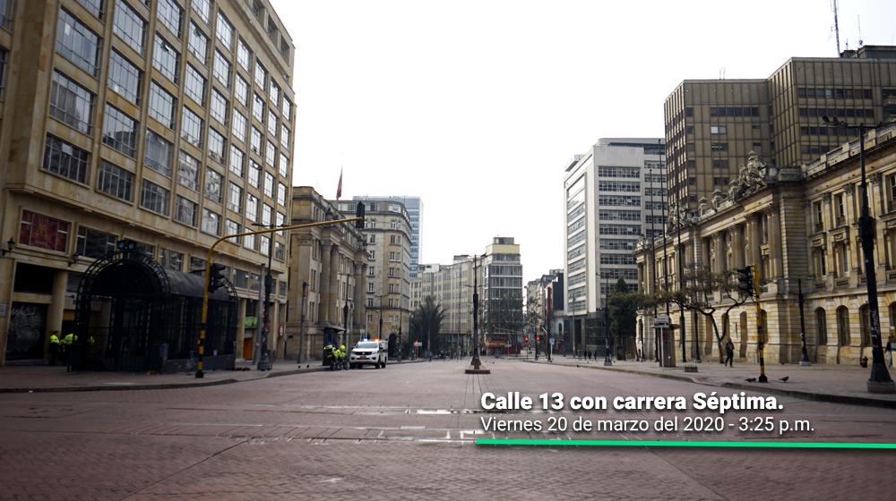 Calle 13 con carrera Séptima durante el primer día del simulacro de aislamiento en Bogotá.