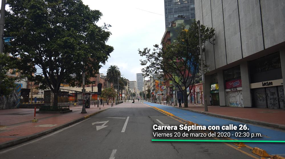 Carrera Séptima con calle 26 durante el primer día del simulacro de aislamiento en Bogotá