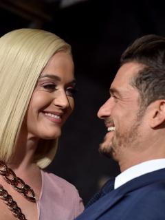 Katy Perry y Orlando Bloom, cuya hija Daisy Dove ya nació, en la premier de 'Carnival Row' en 2019.