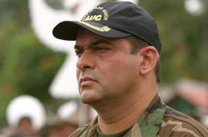Foto de Salvatore Mancuso, quien será deportado a Colombia por Estados Unidos, durante su militancia en las AUC.
