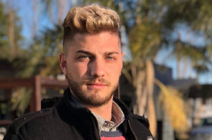Emiliano Ivaldi fue rechazado para donar plasma por ser gay, en Argentina.