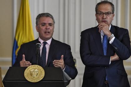 Iván Duque y Fernando Carrillo, procurador general que criticó la gestión del Gobierno ante las masacres