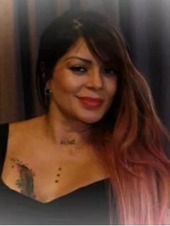 Marbelle, cantante que está modificando sus tatuajes y recientemente se tatuó una reina.