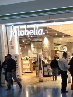 Imagen de uno de los almacenes de Falabella en Bogotá