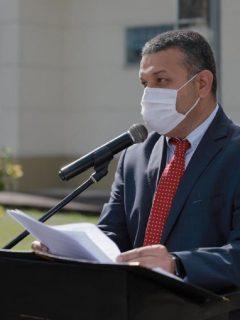 Carlos Maya, alcalde al que le suspendieron su elección, durante un evento en Pereira