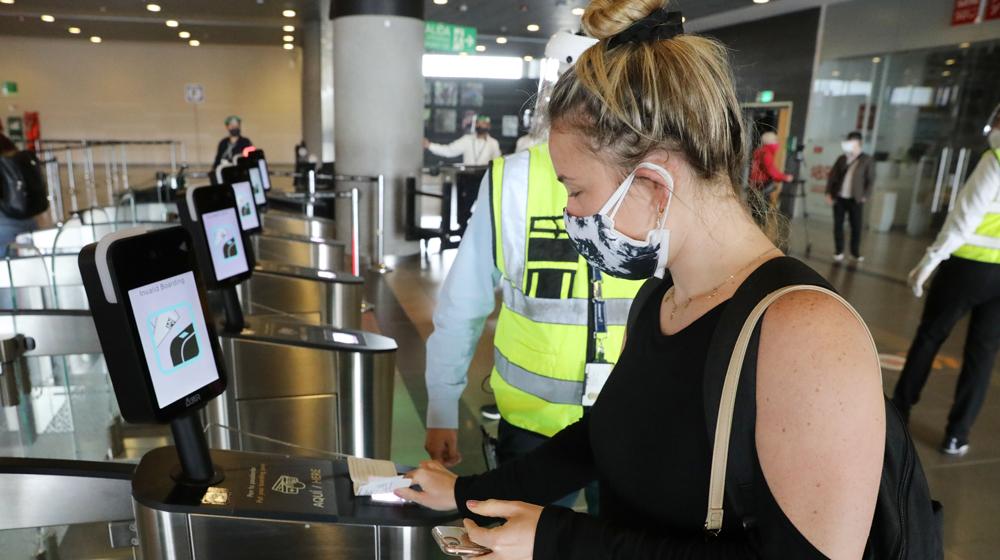 Protocolos de bioseguridad del Aeropuerto Internacional El Dorado en Bogotá