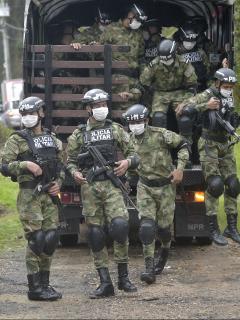 Imagen de militares colombianos ilustra nota sobre proyecto para implementar el voto militar en Colombia