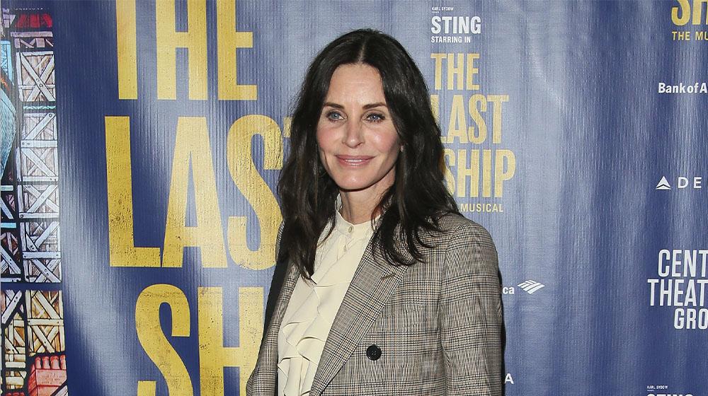 Courtney Cox, quien regresa a su papel en 'Scream 5', en el lanzamiento de 'The Last Ship'.