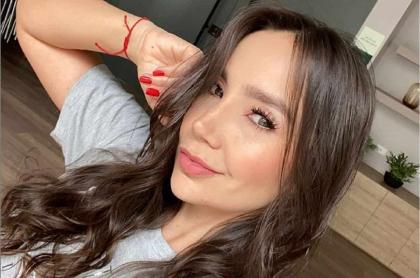 Selfi de Paola Jara, cantante que aclaró si se casó con Jessi Uribe en secreto.