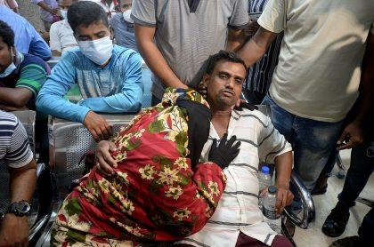 Heridos de la fuerte explosión en mezquita de Fatullah, Bangladesh.