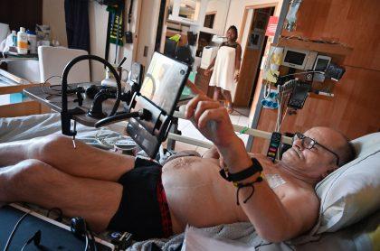 Alain Cocq, un francés de 57 años, sufre una enfermedad terminal, que lo tiene postrado en una cama desde hace dos años.