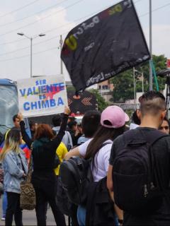 Imagen de protestas en Bogotá ilustra nota sobre nuevo paro nacional convocado en Colombia