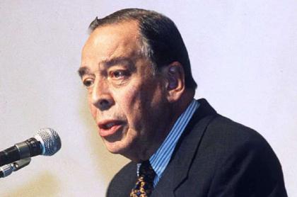 Álvaro Gómez Hurtado, líder político asesinado, por el que el uribismo piden que investiguen a las Farc