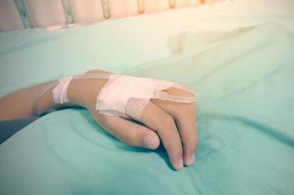 Imagen de un paciente, que ilustra a un contagiado con dengue, enfermedad combatida por el aislamiento