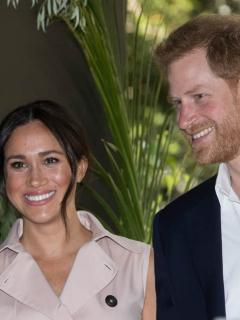 Meghan Markle y el príncipe Harry durante su visita a Johannesburgo, África, en 2019.
