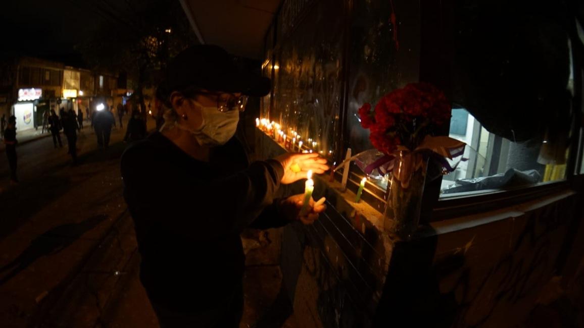 Velas en el CAI de Villa Luz (Bogotá) por la muerte del abogado Javier Ordóñez 3.