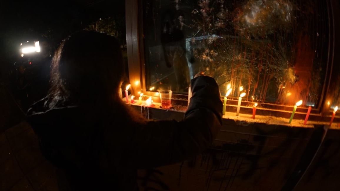 Velas en el CAI de Villa Luz (Bogotá) por la muerte del abogado Javier Ordóñez 4.