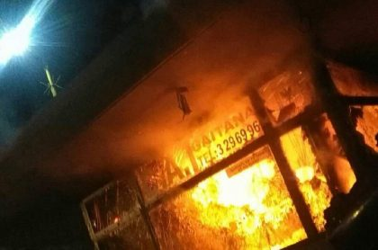 CAI de La Gaitana fue incendiado durante las protestas en Bogotá por la muerte del abogado Javier Ordóñez