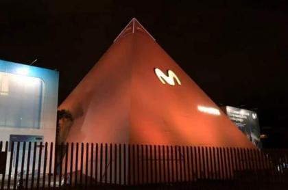 Piramide de Movistar, Bogotá. La SIC sancionó a la compañía por consultar sin permiso el historial de crédito de las personas con fines comerciales.