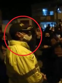 Imagen del policía que pide disculpas por muerte de Javier Ordóñez