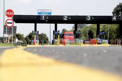 Roy Barreras retiró (por el momento) el proyecto de 'Estatuto de Seguridad Vial' porque, según él, al Ministerio de Transporte no le gustó. Peajes en Colombia.