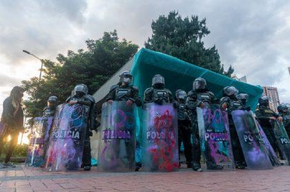 Las marchas que tuvieron origen en el parque de los Hippies de la localidad de Chapinero y avanzaron hacia la Plaza de Bolívar, terminaron en graves enfrentamientos. Foto de agentes del Escuadrón Móvil Antidisturbios.