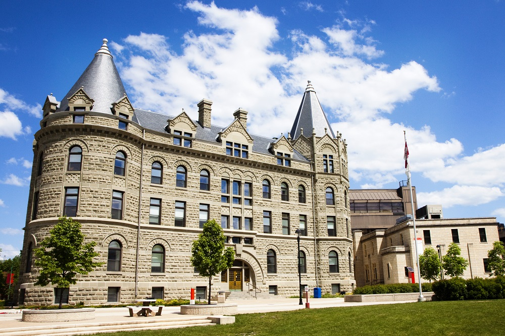 La Universidad de Winnipeg, Canadá, ofrece becas a estudiantes colombianos.