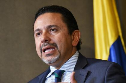"""Miguel Ceballos, que se sintió """"asaltado en la buena fe"""" en acto de reconciliación en Bogotá"""