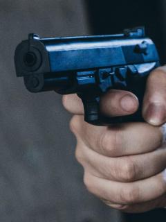 Imagen de una pistola que ilustra el asesinato de dos mineros, en Cáceres, Antioquia