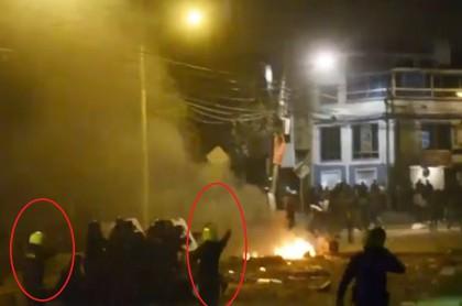 Imagen del video de Policía disparando contra civiles por el que piden renuncia de Mindefensa.
