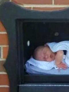 Buzón para dejar bebés no deseados, en Bruselas.