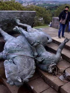 Estatua de Sebastián de Belalcázar derribada en Popayán