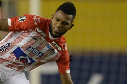 Miguel Ángel Borja, que estaba siendo estafado por dos amigos, aparece en un partido de la Copa Libertadores 2020.