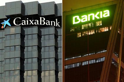 Combinación de imágenes de archivo creada el 4 de septiembre de 2020 que muestra la sede del banco CaixaBank-La Caixa en Barcelona (izq.) y la sede operativa del banco Bankia en Madrid.