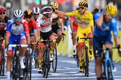 Tadej Pogacar  en la etapa 21 del Tour de Francia, clasificación general.
