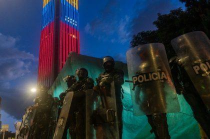 Policía de Colombia sobre torre Colpatria