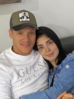 Foto de Javier Reina y Andreina Fiallo, quienes contaron su historia de amor