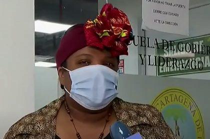 La Contraloría cuestiona el salario de la primera dama de Cartagena, Cynthia Pérez Amador.