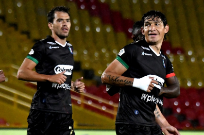 Jugadores del Once Caldas, equipo que confirmó varios casos positivos de coronavirus antes del partido contra Nacional