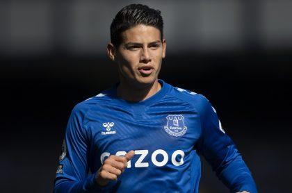 James Rodríguez en su reciente partido con el Everton, jugador que fue elogiado por The New York Times