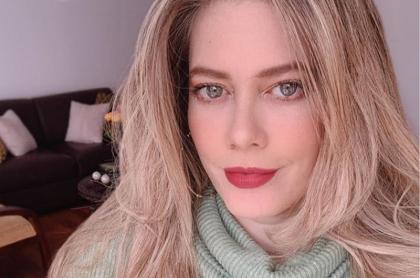 Selfi de Lorna Cepeda, 'la Peliteñida' de 'Betty, la fea' que tuvo un problema de salud del que se salvó de milagro y por el que no debe exponerse al sol.