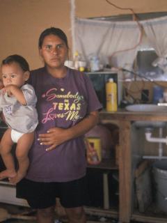 Hogar vulnerable en Colombia: las familias colombianas han tenido que reducir sus comidas diaria por culpa de la crisis del COVID-19.