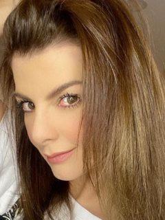 Selfi de Carolina Cruz, presentadora que confirmó que su embarazo fue por tratamiento in vitro.