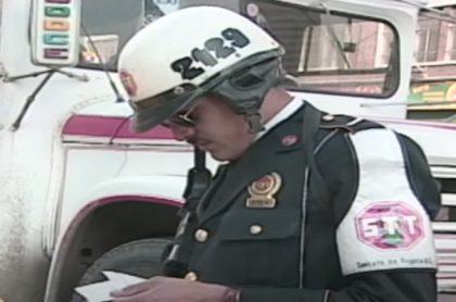 Un 'chupa' de Bogotá, en imagen de archivo, a propósito del desmonte de la Policía de Tránsito.