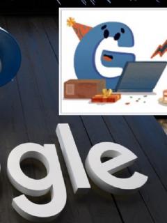 Stand de Google en Davos, Suiza, junto a parte del 'Doodle' con el que el buscador celebró su aniversario 22.