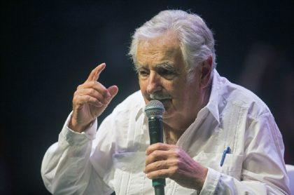 Expresidente de Uruguay José Mujica, que habló de las consecuencias para la humanidad de un posible fracaso del acuerdo de paz con las Farc, en evento con el Partido de los Trabajadores Brasileños, en febrero de 2020.