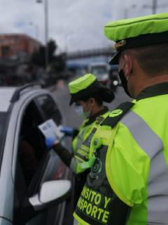 Policía de Tránsito: razones por las que pueden suspender o cancelar la licencia de conducción el Colombia.