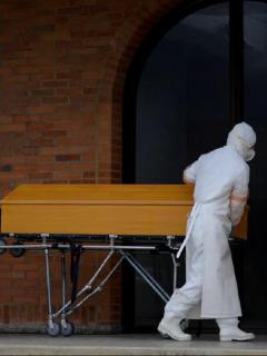 Muerto por COVID-19 imagen de referencia: familia tuvo que abrir la tumba de muerto por COVID-19 para confirmar indentidad por supuesto error de clínica.