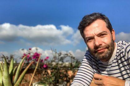 Iván Lalinde en un jardín, días antes de que Yaneth Waldman lo dejara calvo.