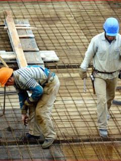 Imagen de ilustración de unos obreros